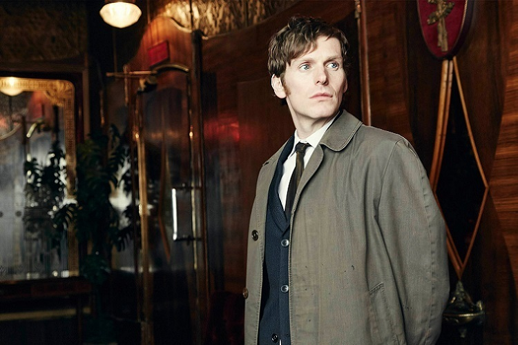 Dedektif Morse rolünde Shaun Evans'ı izliyoruz...